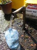 Водоснабжение загородного дома: колодец или скважина?