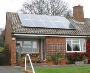 Солнечные модули на крыше – оптимальное дополнение энергообеспечения дачи