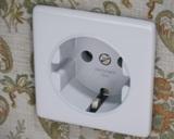 О напряжении домашней электрической сети