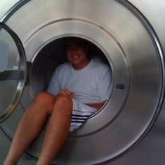 не самая большая стиральная машина, но больше чем бытовая!