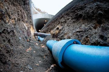 Чугунная магистральная труба водоснабжение
