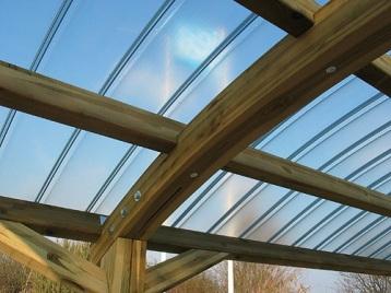 крыша из поликоркарбоната